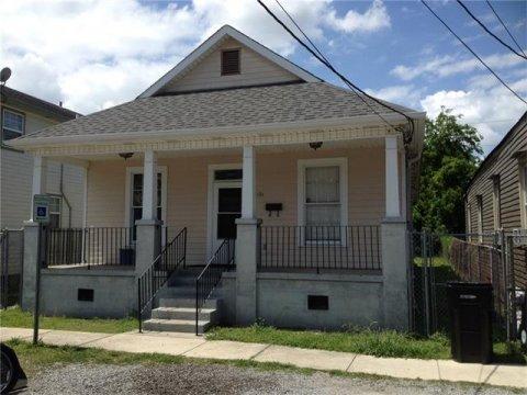 1121 N. Roman Street