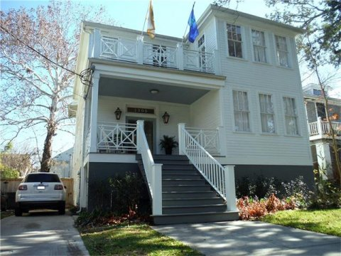 1305 Pine Street