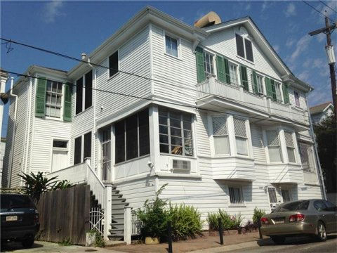 1438 Pleasant Street