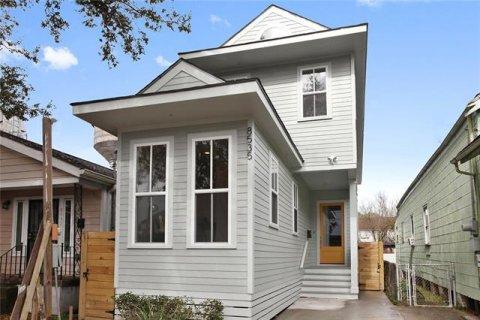 8535 Spruce Street